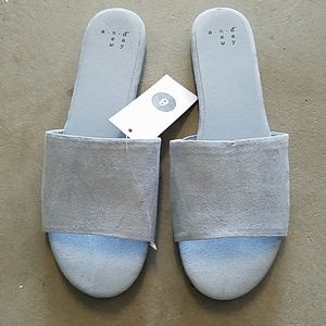 And e a w y sky blue sandals